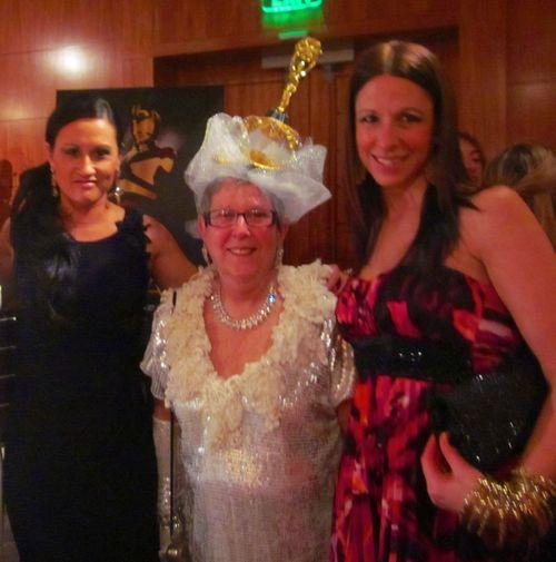 Oscar Gala pic 6 with oscar lady